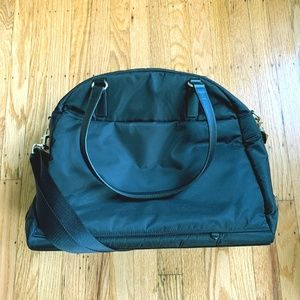 Lo and Sons OG bag - black and in great condition!